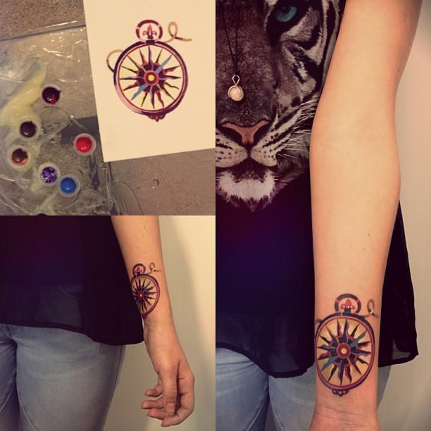 sasha-unisex-compass-tattoo